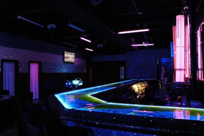 Merveilleux Liquid Bar In Live Planet Color